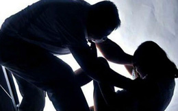 Đang chờ xe buýt, nữ sinh bị bắt cóc cưỡng bức, sát hại dã man
