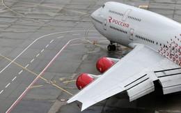 Máy bay Nga nghiến chân nhân viên sân bay ở Anh