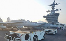"""Dàn máy bay """"khủng"""" trên tàu sân bay Mỹ USS Carl Vinson ở Đà Nẵng: Có treo vũ khí không?"""