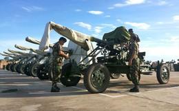 Bị Mỹ cắt viện trợ, Campuchia nhận liền tay hàng chục tấn vũ khí từ Trung Quốc?