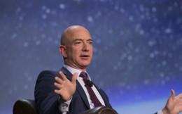 Sau hơn 30 năm, Forbes vinh danh vị tỷ phú trăm tỷ USD đầu tiên của thế giới