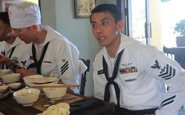 Trò chuyện với thủy thủ gốc Việt trên tàu sân bay Mỹ USS Carl Vinson