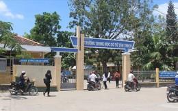 Học sinh bóp cổ cô giáo ở Bến Tre đã đi học lại