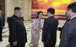 """Phái đoàn Hàn Quốc tới Triều Tiên được ông Kim Jong-un """"ưu ái đặc biệt"""" tới mức nào?"""