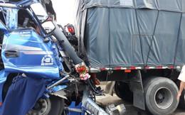 Lao ô tô tải vào xe đầu kéo đang hỏng giữa đường, tài xế tử vong trong cabin