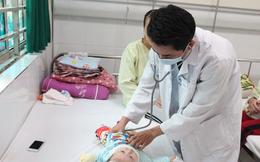 Trẻ mắc tay chân miệng ở Hà Nội gia tăng: BS Viện nhi Trung ương hướng dẫn cách phòng bệnh