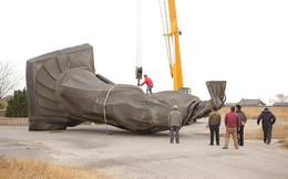 24h qua ảnh: Tượng Tần Thủy Hoàng 6 tấn bị gió thổi đổ úp mặt