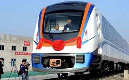 Trung Quốc: Người Tân Cương đi tàu điện phải xuất trình thẻ định danh