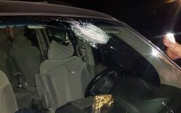 Hàng loạt ô tô bị ném gạch, đá làm vỡ kính trên cao tốc Hà Nội - Thái Nguyên