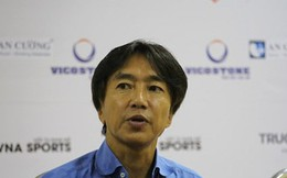 """HLV Miura: """"Tôi không quan tâm đến vị trí thứ tư tại V-League"""""""
