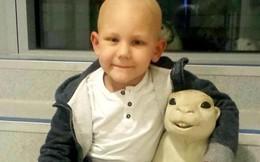 Cậu bé 8 tuổi thoát khỏi ung thư giai đoạn cuối mà không cần điều trị