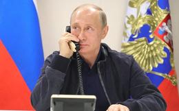 """Nguyên thủ thế giới đều có điện thoại """"khủng"""", riêng Putin, nếu cần dùng phải đi mượn"""