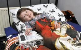 Mỗi đêm người mẹ này chỉ có thể ngồi nhìn con trong đau đớn khi con ngưng thở đến 90 lần
