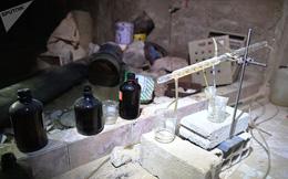 Ảnh: Cận cảnh kho chứa vũ khí hóa học của phiến quân vừa bị phát hiện ở Syria