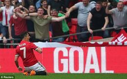 Đối đầu rực lửa, Man United hùng dũng vượt Tottenham, vào Chung kết FA Cup