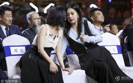 """Bị đồn ghét nhau như """"kẻ thù"""" nhưng Triệu Vy - Châu Tấn bất ngờ thân thiết như chị em"""