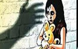Thầy giáo đồi bại cưỡng hiếp hai học sinh 4 ngày liên tiếp rồi bỏ trốn