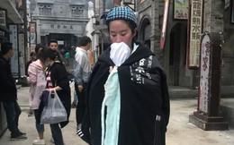 Xót xa trước cảnh Lưu Diệc Phi kiệt sức, gầy tong teo trên phim trường