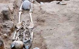 Bí ẩn hàng chục thi thể bị chôn vùi dưới bể bơi khách sạn