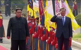 Ảnh: Ông Kim Jong-un là lãnh đạo đầu tiên của Triều Tiên tham gia duyệt đội nghi thức Hàn Quốc