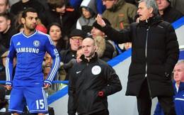 """Bị tố không biết """"xài"""" Salah, Mourinho phản pháo"""