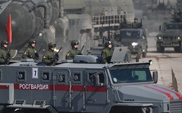 """Vũ khí """"Quái vật"""" Nga xuất hiện chớp nhoáng ở Syria sắp lăn bánh trên Quảng Trường Đỏ"""