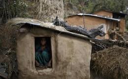 Cơn ác mộng của phụ nữ Nepal khi có kinh nguyệt: Phải rời khỏi nhà, ngủ ở những túp lều rách rưới, dễ bị kẻ xấu và thú dữ đoạt mạng