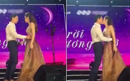 Clip: Hồ Ngọc Hà và Kim Lý công khai khoá môi ngọt ngào trên sân khấu!