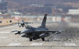 """""""Đen đủi"""" cho KQ Mỹ: 48 giờ mất tới 3 máy bay tối tân - F-16 lại rơi ở Nevada"""