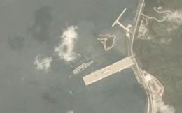 """Hạm đội khủng 43 chiến hạm Trung Quốc nguy cơ """"chạm trán"""" siêu tàu sân bay Mỹ trên Biển Đông"""