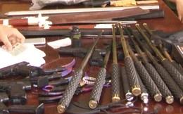 Đặt mua kiếm, súng bắn bi từ Hà Nội đưa vào Huế bán kiếm lời