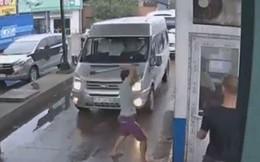 Hai nhân viên trạm BOT bị đánh đập dã man