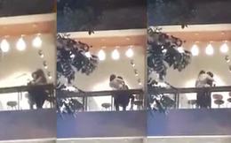 """Phản ứng của bố mẹ khi thấy con xuất hiện trong clip """"yêu"""" ở quán trà sữa?"""