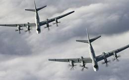 """Mỹ điều tiêm kích F-22 chặn oanh tạc cơ """"Gấu"""" Nga trên không phận quốc tế"""