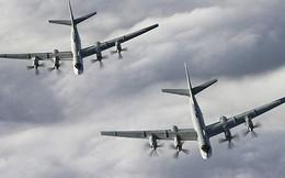 """Chiến đấu cơ Mỹ đối đầu máy bay ném bom """"Gấu Nga"""""""