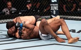 Tài xế Uber gây sốc khi đánh bất tỉnh đối thủ sừng sỏ tại đấu trường UFC