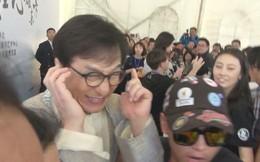 Phản ứng của Thành Long khi bị hỏi về con gái: Lắc đầu bịt tai, không muốn nghe