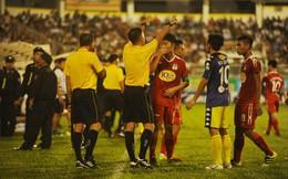 Xúc phạm trọng tài, HLV CLB Hà Nội và Thành Lương đồng loạt nhận án phạt nặng