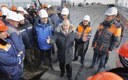 CNN: Khánh thành cầu nối Nga-Crimea, TT Putin muốn nhắn nhủ Ukraine ngừng 'ôm mộng'