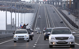 Nga nổi giận vì báo Mỹ xúi giục Ukraine đánh bom sập cầu nối với Crimea