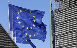 """Nga vừa khánh thành cầu Crưm, EU sẵn sàng """"nghênh đón"""" bằng lệnh trừng phạt"""