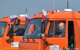 Lý do ông Putin không phạm luật dù không thắt dây an toàn khi lái xe tải khánh thành cầu Crưm