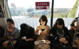 Tranh cãi quanh toa tàu dành riêng cho phụ nữ ở Nhật Bản: Sự an toàn cho phái yếu hay sự bất công cho phái mạnh?