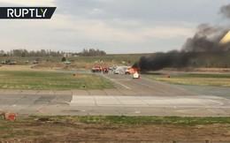 Video: Tiêm kích MiG-31 của Nga bốc cháy ngùn ngụt trên đường băng