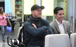 Bỏ ngang kỳ nghỉ để kiểm tra y tế, Rooney chỉ còn cách United một chữ ký