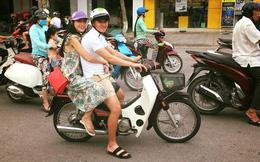 Không phải xế hộp tiền tỷ, khoảnh khắc loạt sao Việt này đi xe 'cà tàng' mới là điều khiến fan thích thú