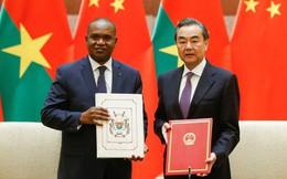 """Đồng minh rời xa Đài Loan, thiết lập quan hệ ngoại giao với TQ vì """"miếng bánh"""" 60 tỷ USD?"""