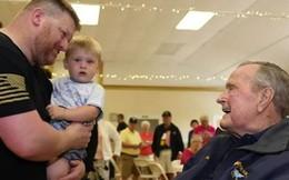 Cựu Tổng thống Mỹ Bush cha nhập viện vì tụt huyết áp