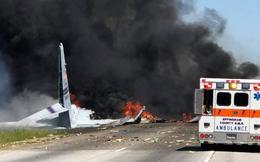Khoảnh khắc gây sốc khi máy bay quân sự WC-130 Mỹ chao đảo, lao thẳng xuống mặt đất