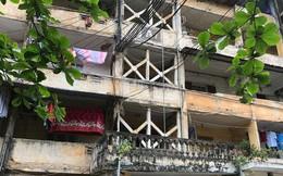"""Hà Nội: Hãi hùng nhà chung cư nứt toác, dân """"sống liều"""" mặc nguy hiểm"""